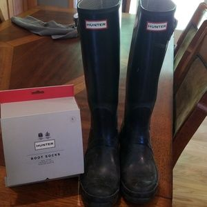 Hunter black gloss rain boots size 9  GUC